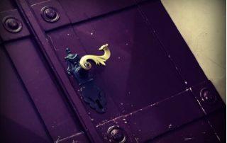 Brass door handle in Oslo