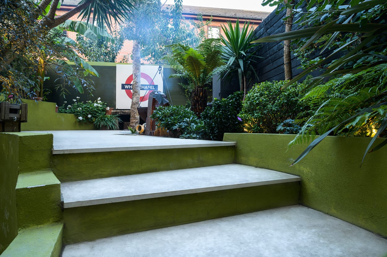 Wide garden shallow steps - COVER ED293 - Botanical Garden Design Isle of Dogs