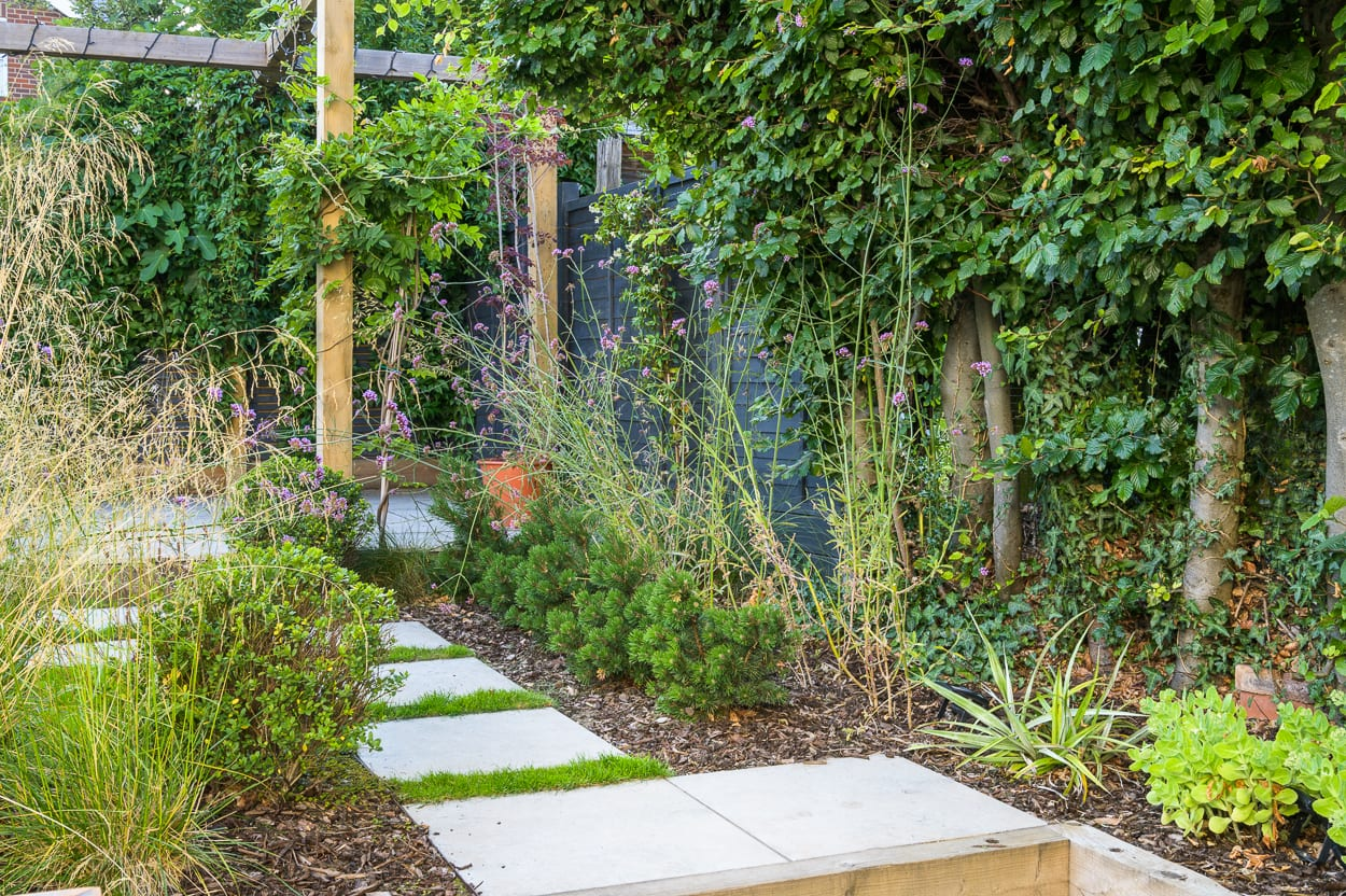 garden path ED287 - Stylish Woodford Garden Design