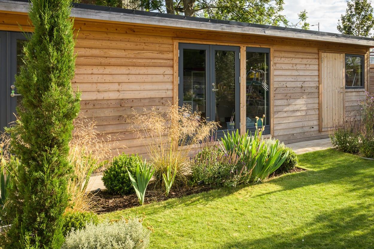log cabin ED285 - Mediterranean Kitchen Garden Design