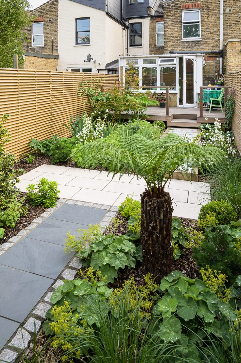 narrow garden design ED286 - Sanctuary Garden Design in London